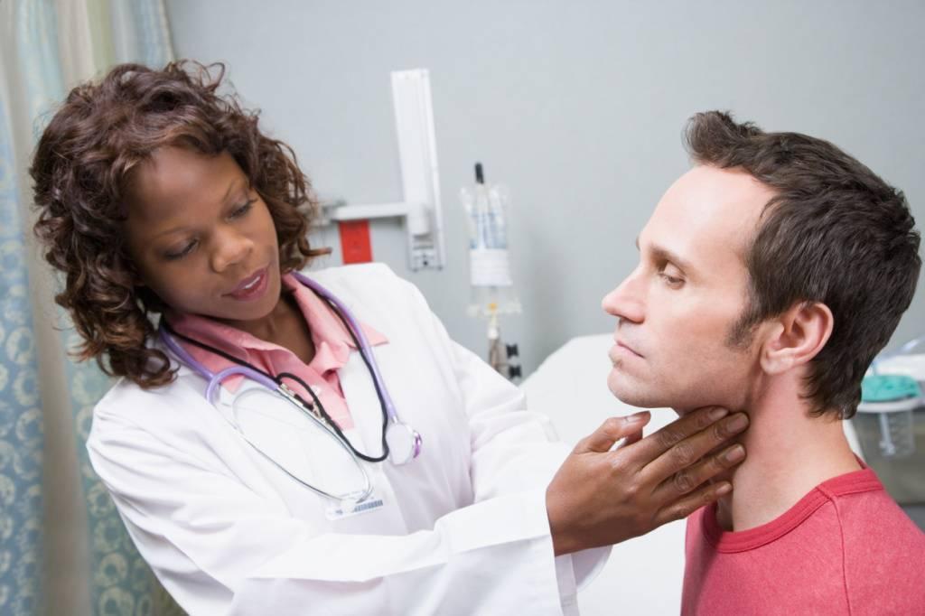 рак горла чем лечить