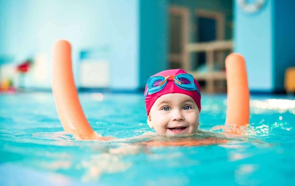 Комаровский можно ли купаться в бассейне при кашле
