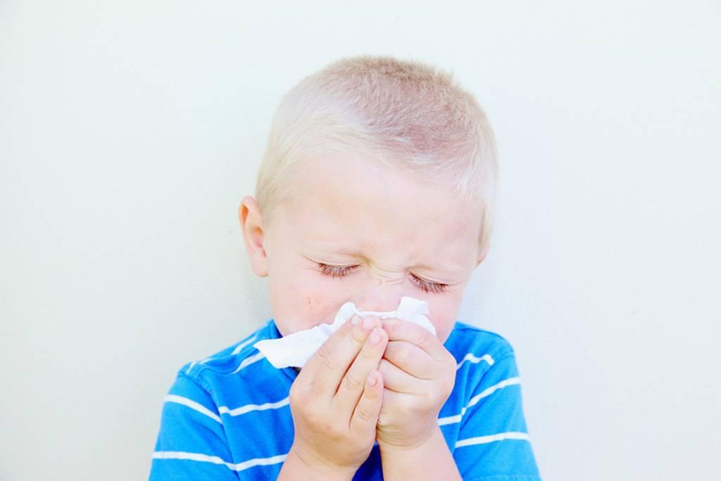 Кашель из-за насморка – лечение медикаментозными и народными средствами