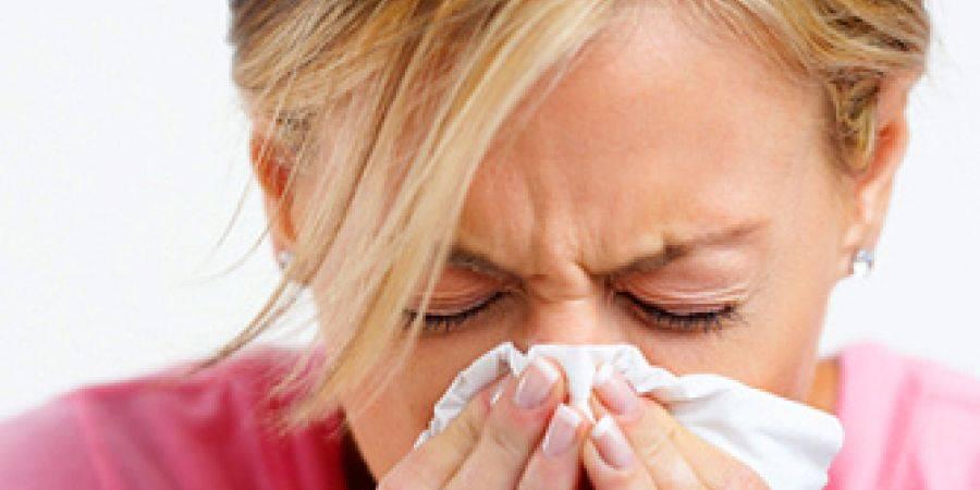 Чем лечить вирусный насморк у взрослых и детей