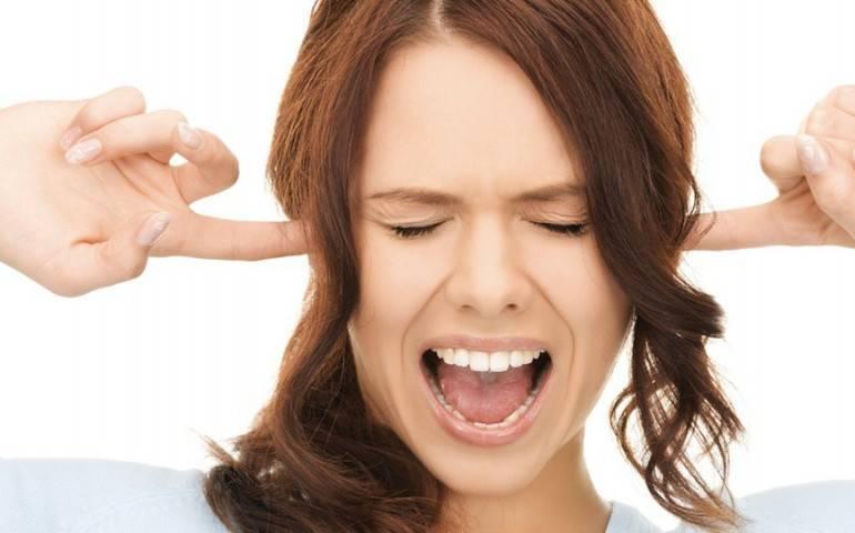 Чувство заложенности в ушах у беременной женщины: причины возникновения и методы борьбы