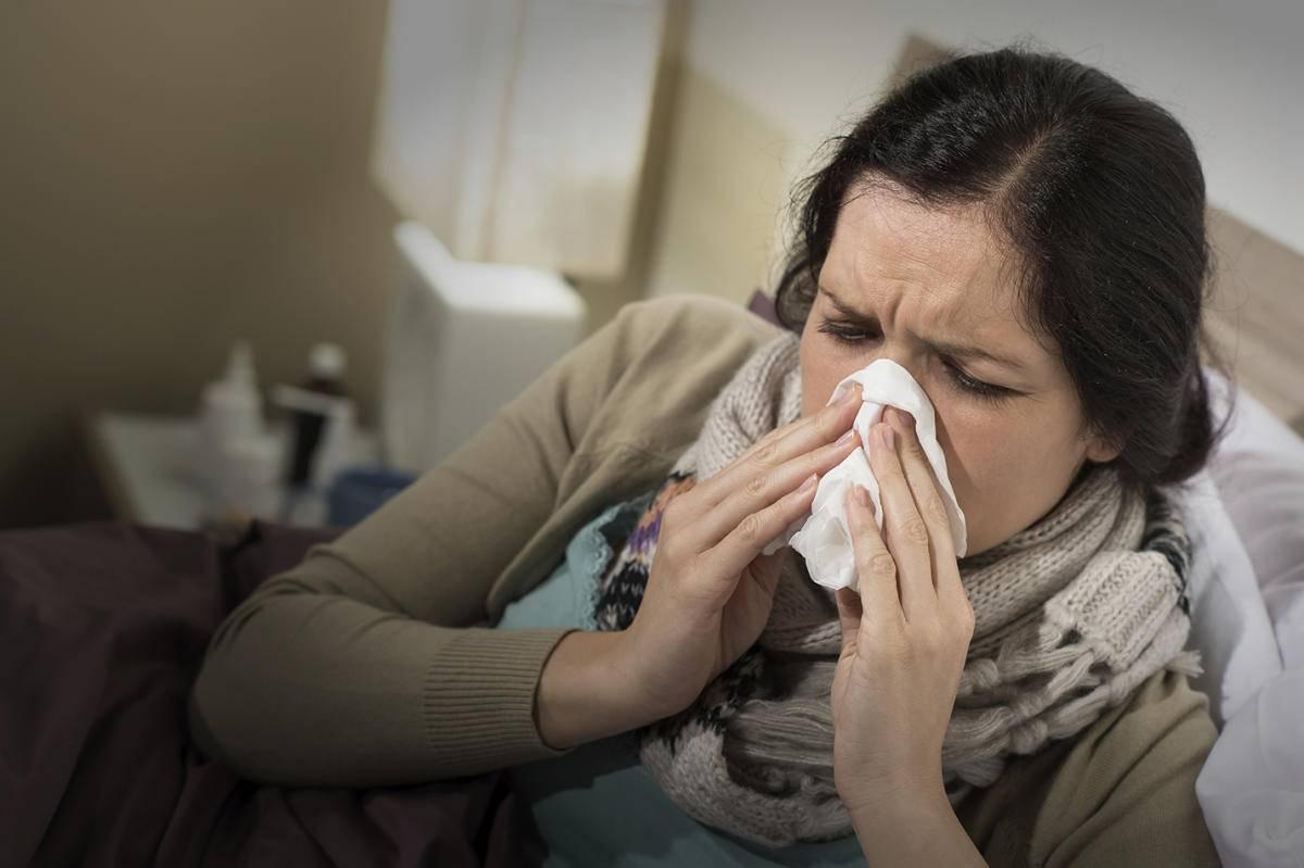 Причины возникновения головной боли при простуде