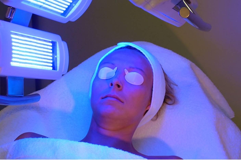 Помогает ли лечение псориаза фототерапией?
