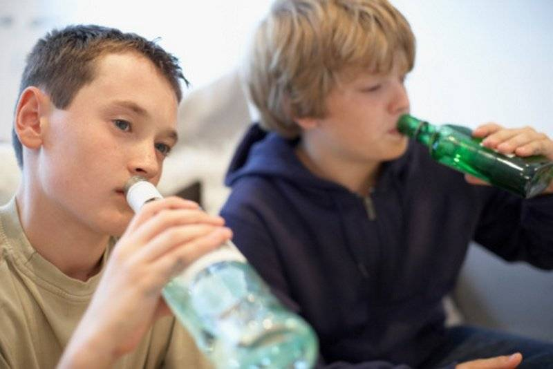 Подростковый алкоголизм - почему и что делать?