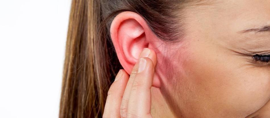 Кровь из уха — причины и лечение кровотечений ушей — симптомы