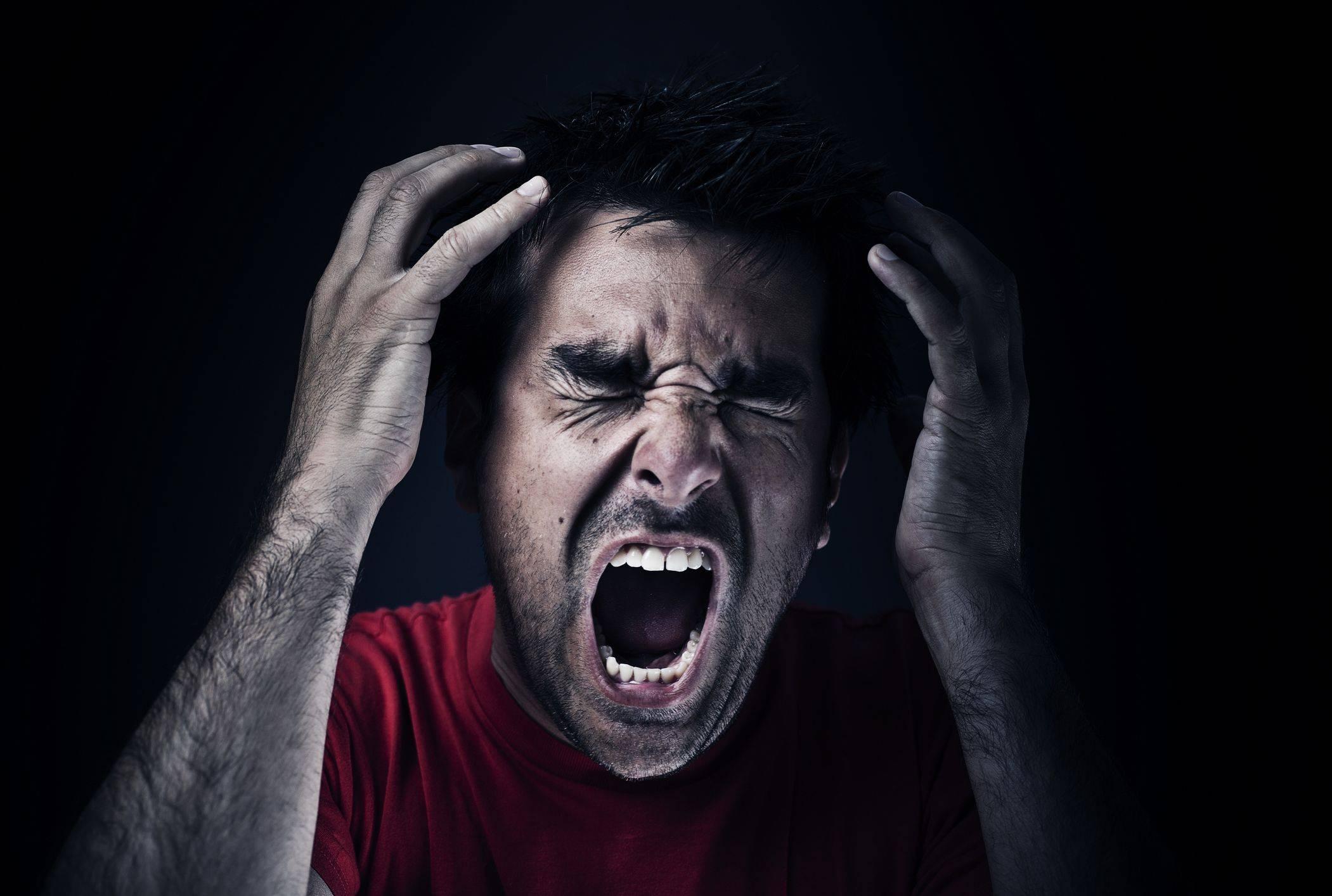 Панические атаки: симптомы илечение