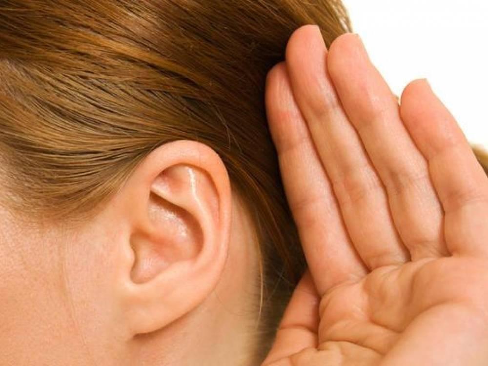 Как узнать болят ли ушки у грудничка. отит у новорожденных и грудничков