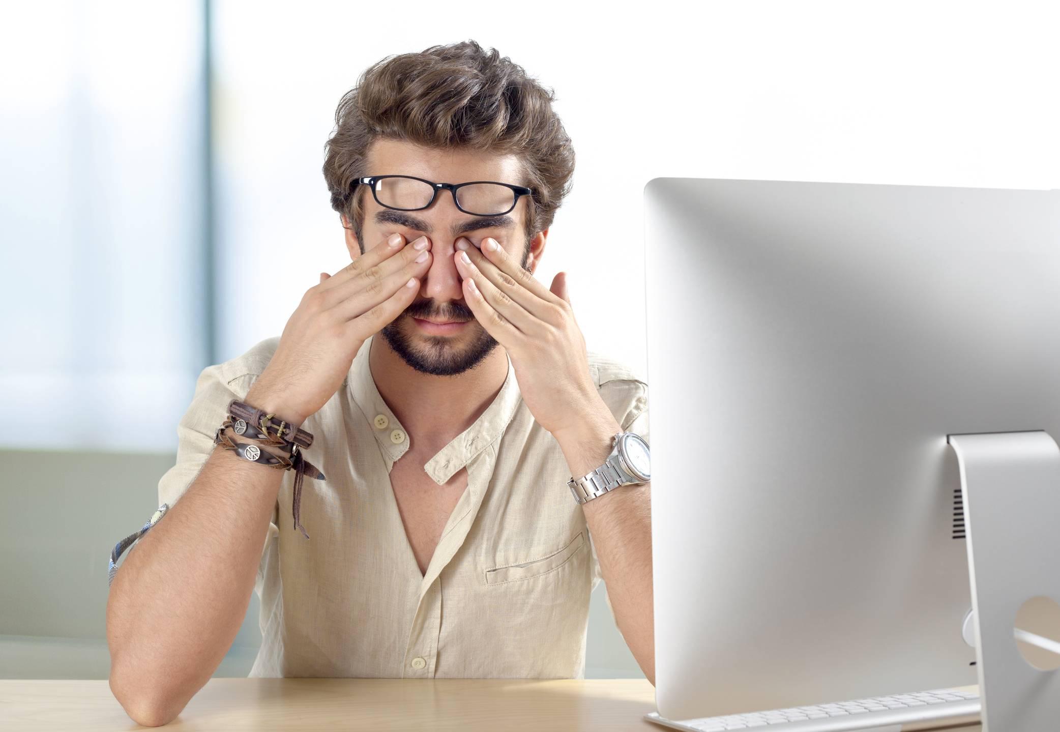 сколько нужно сидеть за компьютером чтобы не испортить зрение