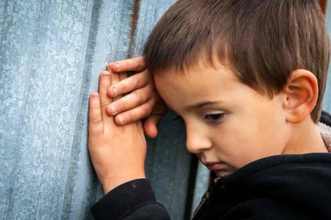 Почему часто моргают глаза (частое моргание). нервный тик у взрослых. причины, симптомы и лечение патологии