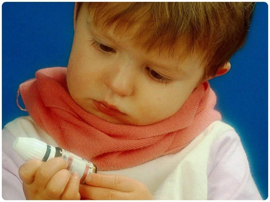 У ребенка болит горло – чем лечить, если постоянно больно глотать