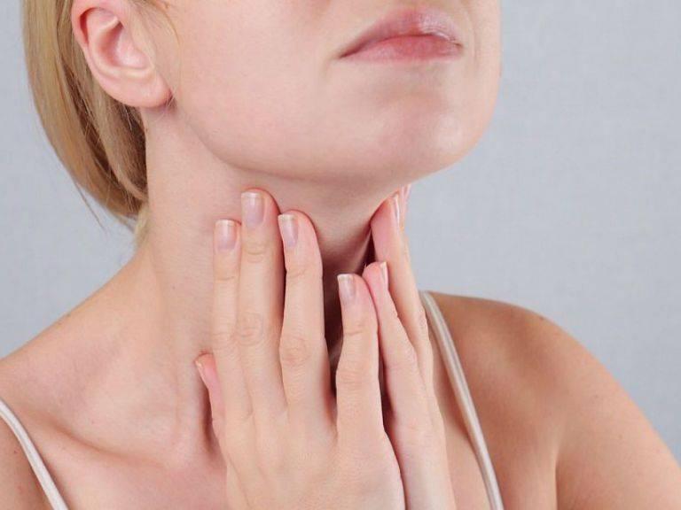 Сухость в горле. причины, лечение и домашний уход