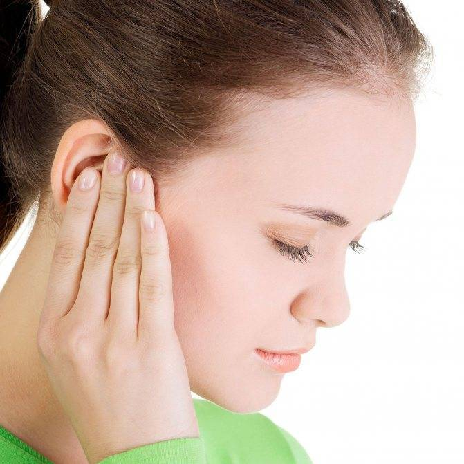 К чему чешется правое ухо: мочка, внутри и снаружи