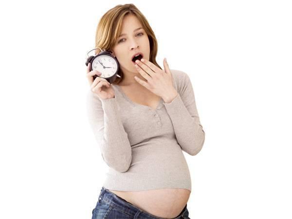 Почему развивается бессонница при беременности на ранних сроках?