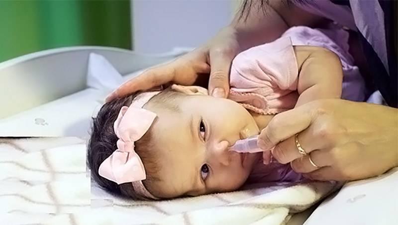 как лечить насморк физраствором у детей