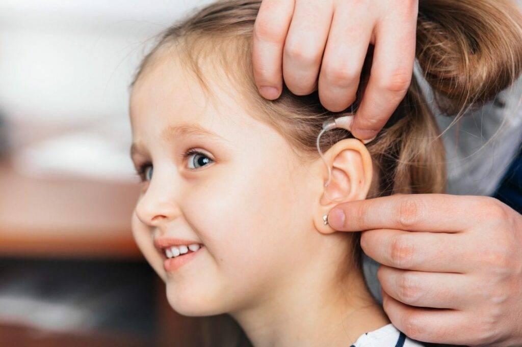Ребенок плохо слышит: вопросы по отоларингологии