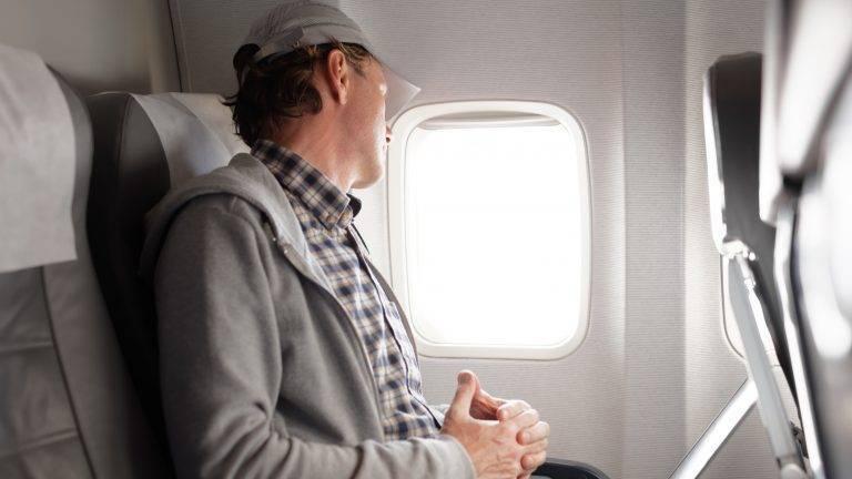 заложило ухо в самолете