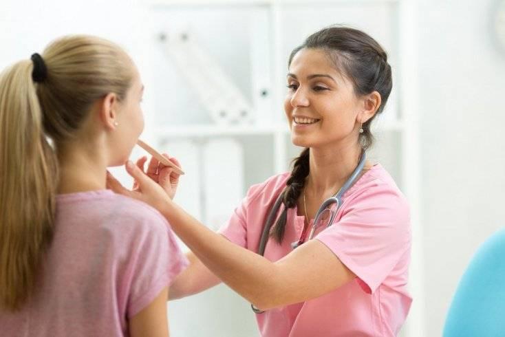 Лекарства от фарингита у взрослых. лучшие таблетки, капли через нос, спрей, антибиотики