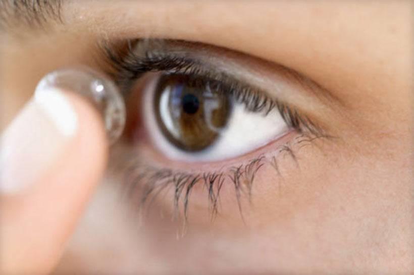 как вставить контактные линзы