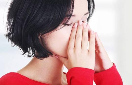 навязчивый запах в носу причины