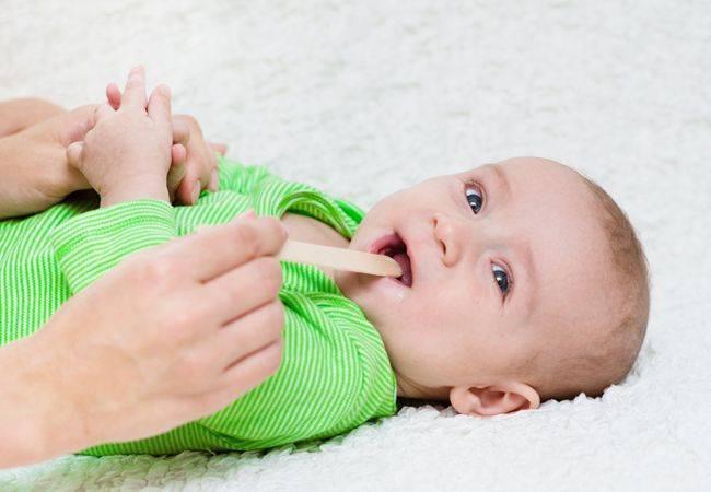 Как и чем лечить ларингит у ребенка 3 лет и старше. подходы к терапии детей до 8-милетнего возраста