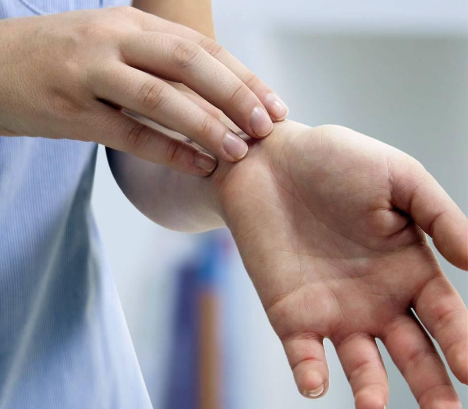 Как возникает и лечится псориаз — одно из самых распространенных заболеваний кожи? рассказывает дерматовенеролог