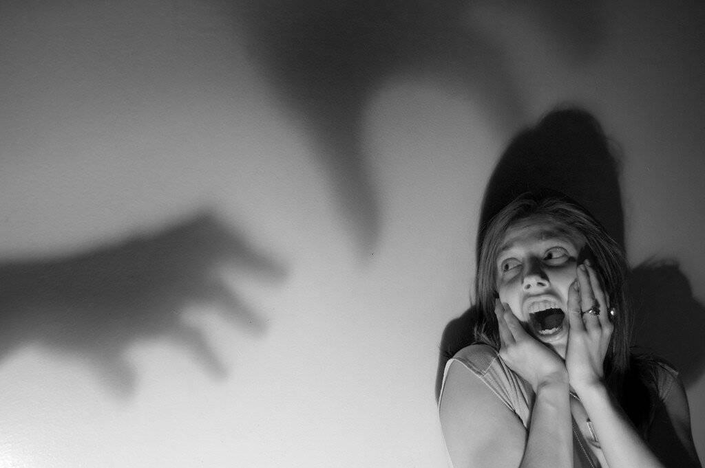 Болезнь гелиофобия — боязнь солнечного света