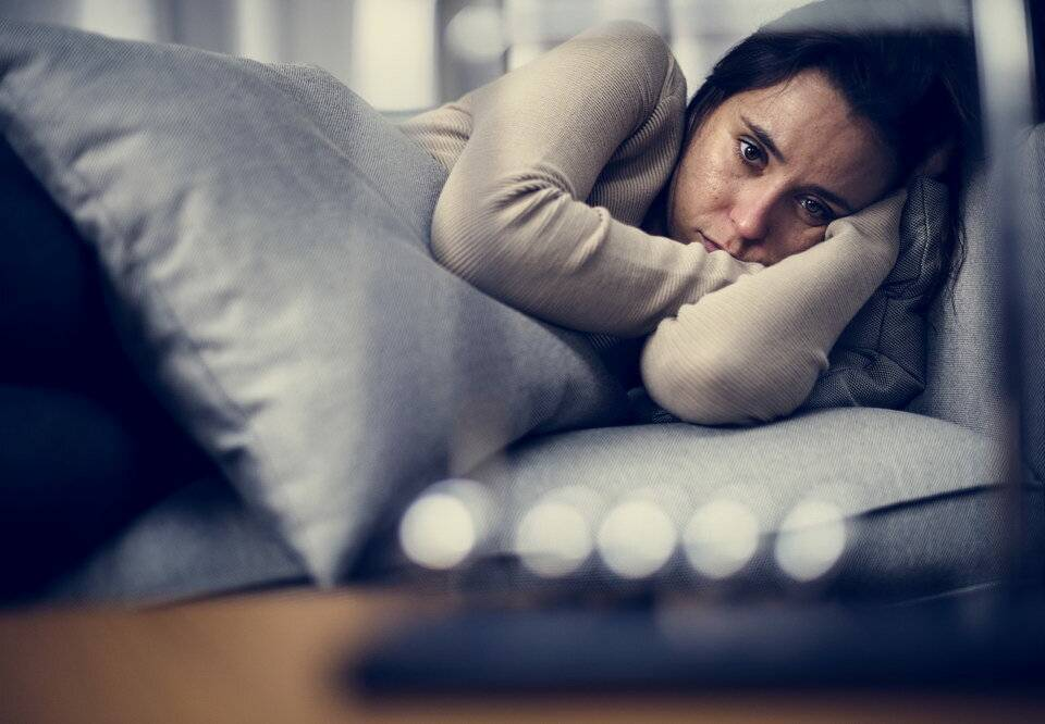 «это переводит тебя в разряд маргиналов»: как живут люди с депрессией и их близкие