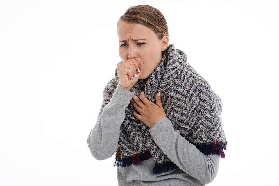 Сухой кашель у взрослого без температуры: причины, лечение