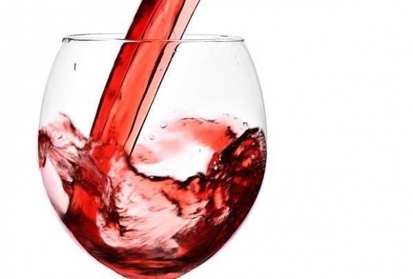 Употребление алкоголя при геморрое: за и против