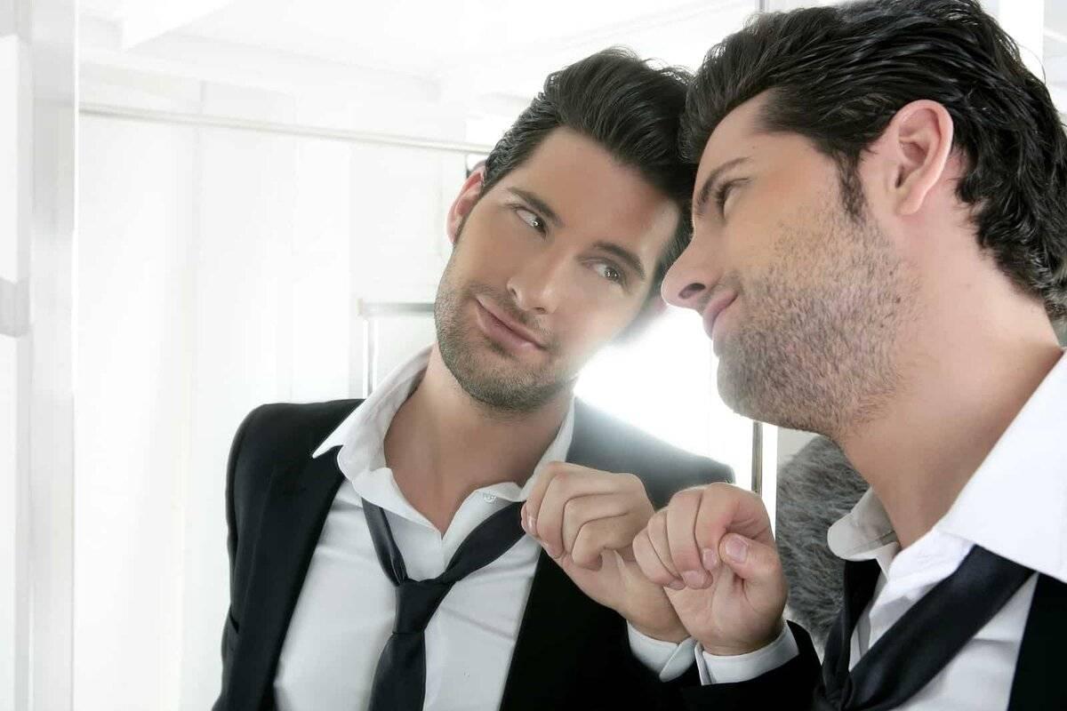 Нарциссическое расстройство личности: симптомы, признаки, лечение