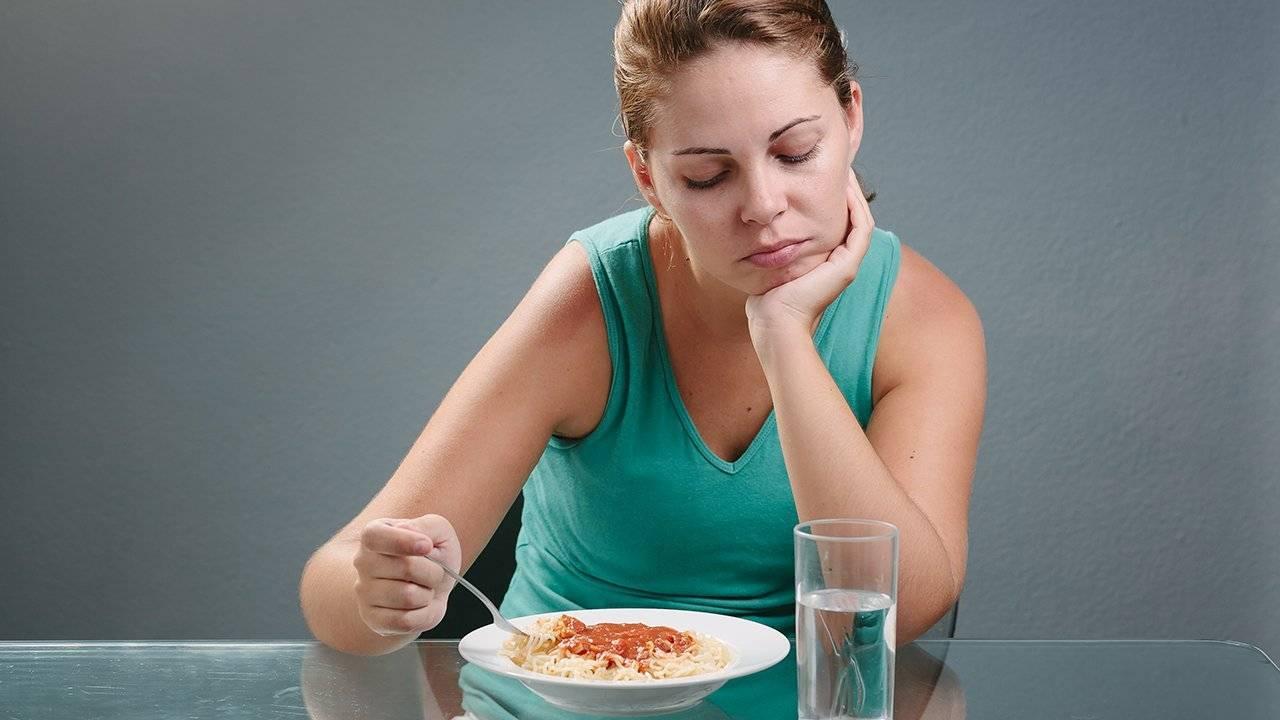 Причины возникновения кашля после еды и что с этим делать