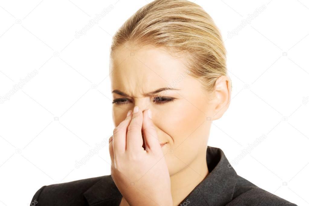Преследует запах гари в носу причины