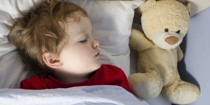 Ребенок храпит во сне, а соплей нет