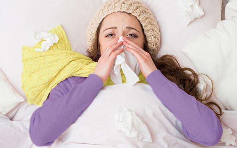 Постоянно заложен нос: причины, лечение, домашние методы
