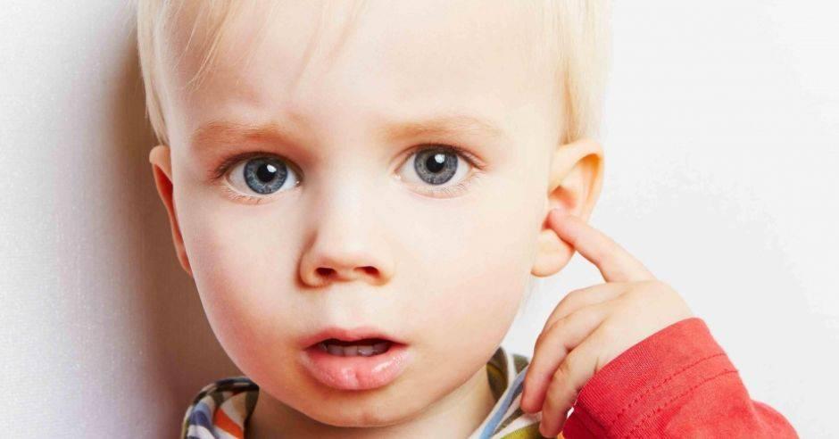 болит ухо у ребенка 6 лет