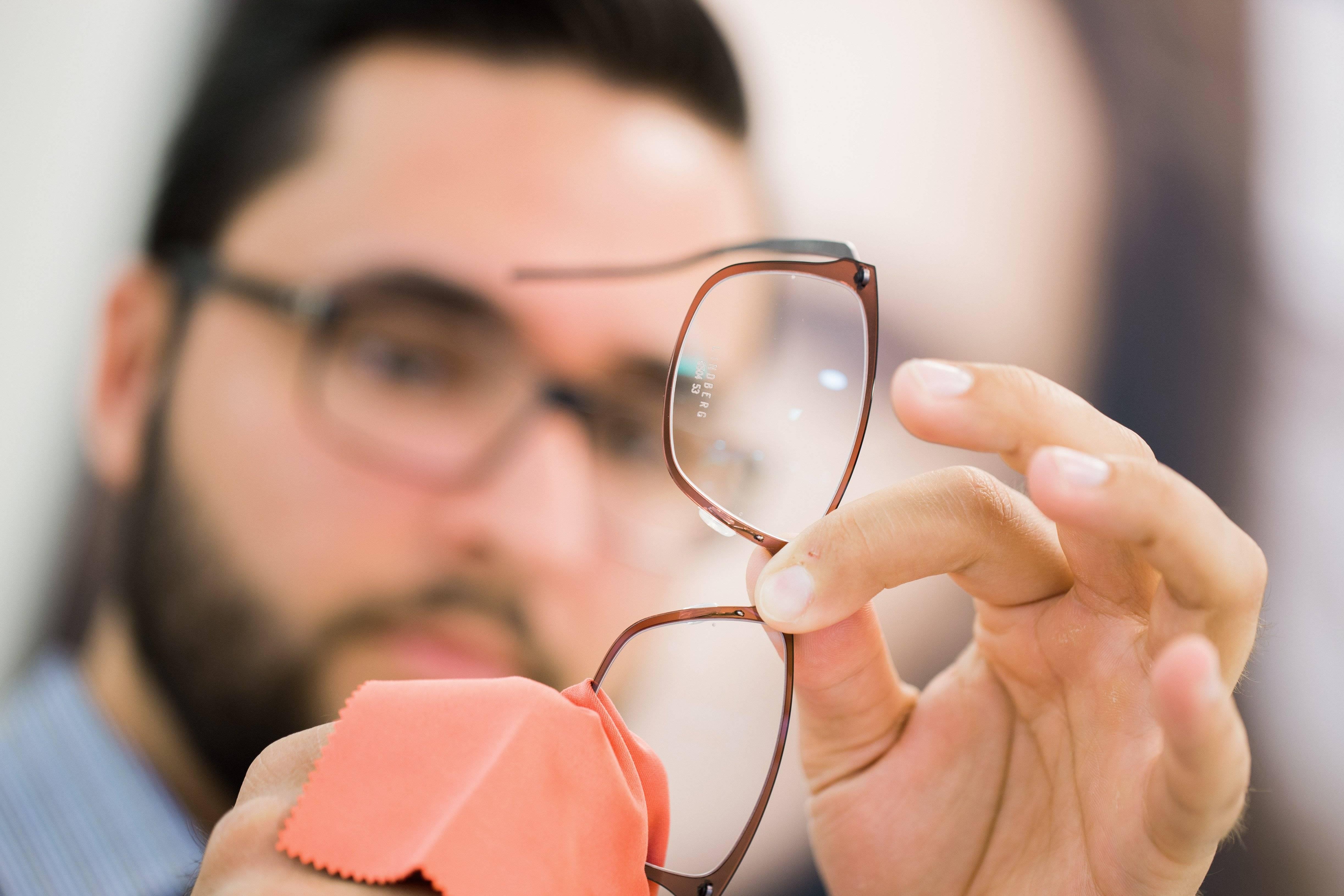 Чем протирать очки