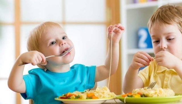 Кашель после еды – причины и лечение