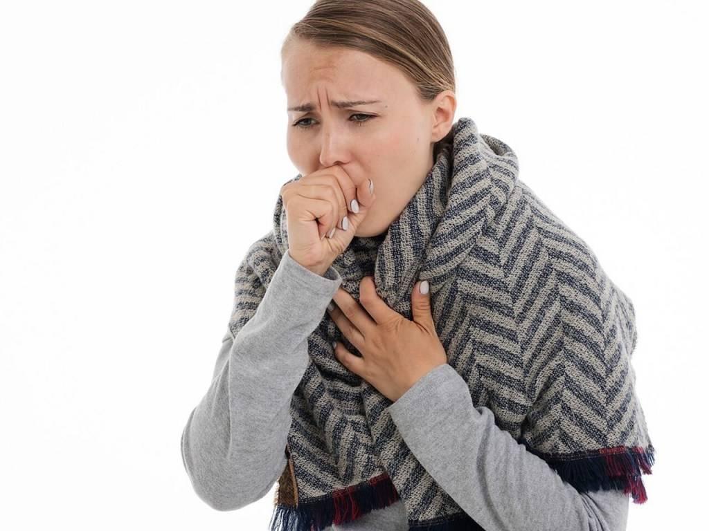 Кашель с мокротой и температура 37
