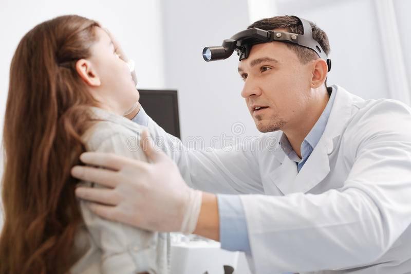 Врачи, которые лечат уши