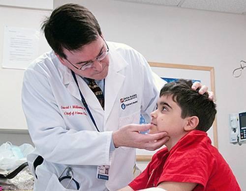 у ребенка часто идет кровь из носа причины комаровский