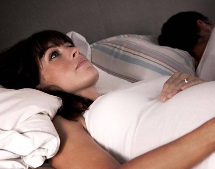 мучает бессонница при беременности