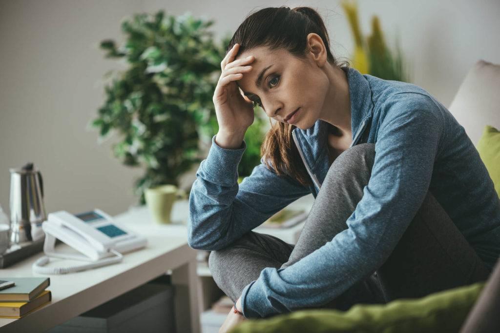 Почему люди весной страдают от депрессии и как с ней справиться?