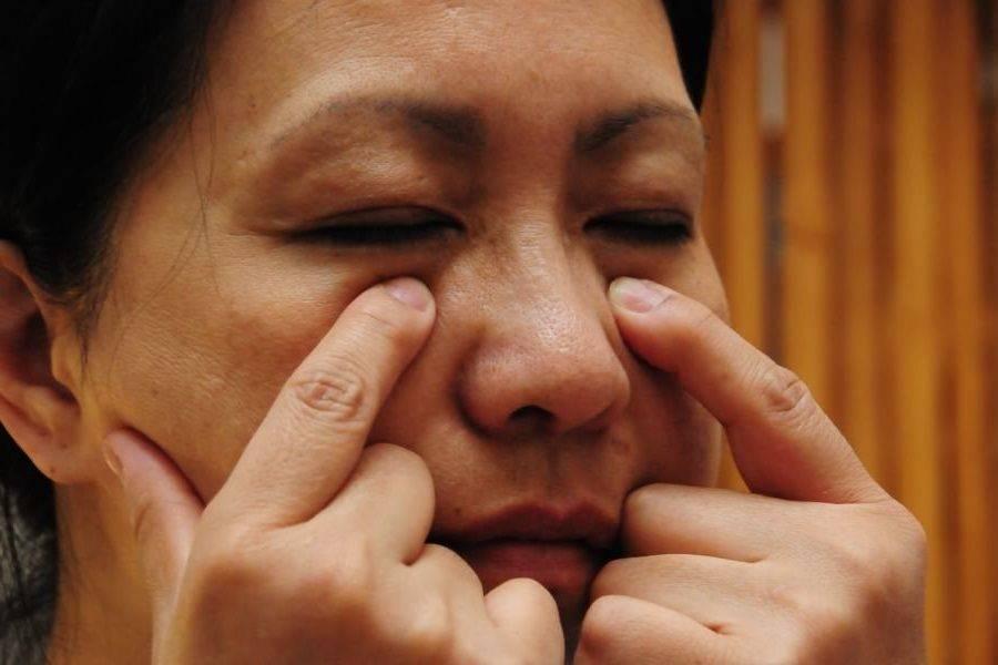 Точечный массаж при гайморите носа, лица и гайморовых пазух: как проводить лечение, противопоказания