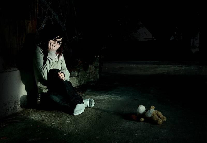 Боязнь темноты: причины заболевания, основные симптомы, лечение и профилактика