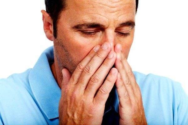 Кашель при разговоре и вдыхании воздуха