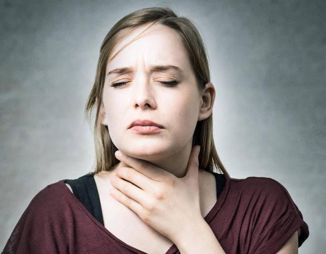 Першит в горле и хочется кашлять: чем лечить? что делать?