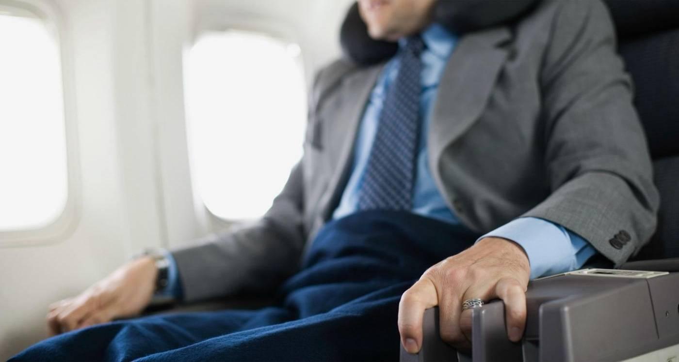 Почему возникает аэрофобия и как от неё избавиться?