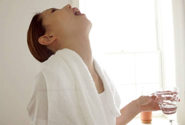 Рецепты народного лечения с пищевой содой, солью и йодом при ангине и остром тонзиллите