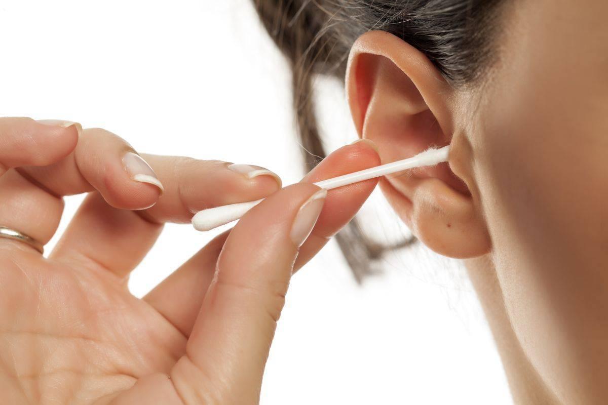 Причины крови из уха у ребенка