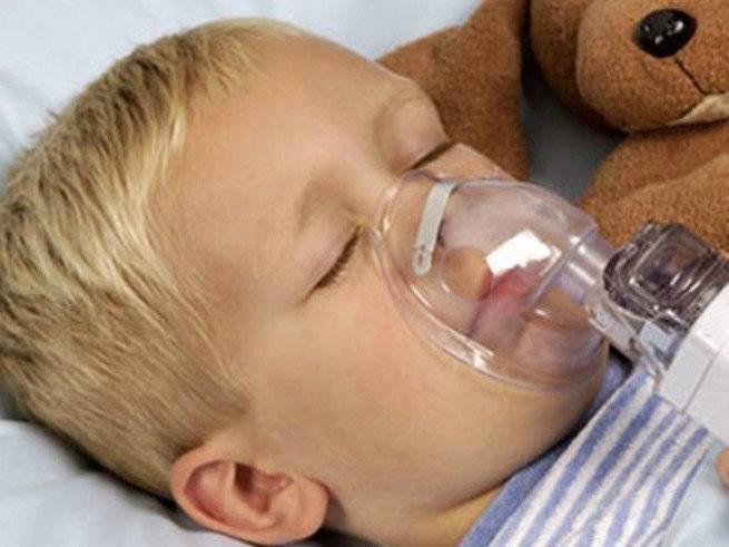 У ребенка сильно болит горло – что делать?